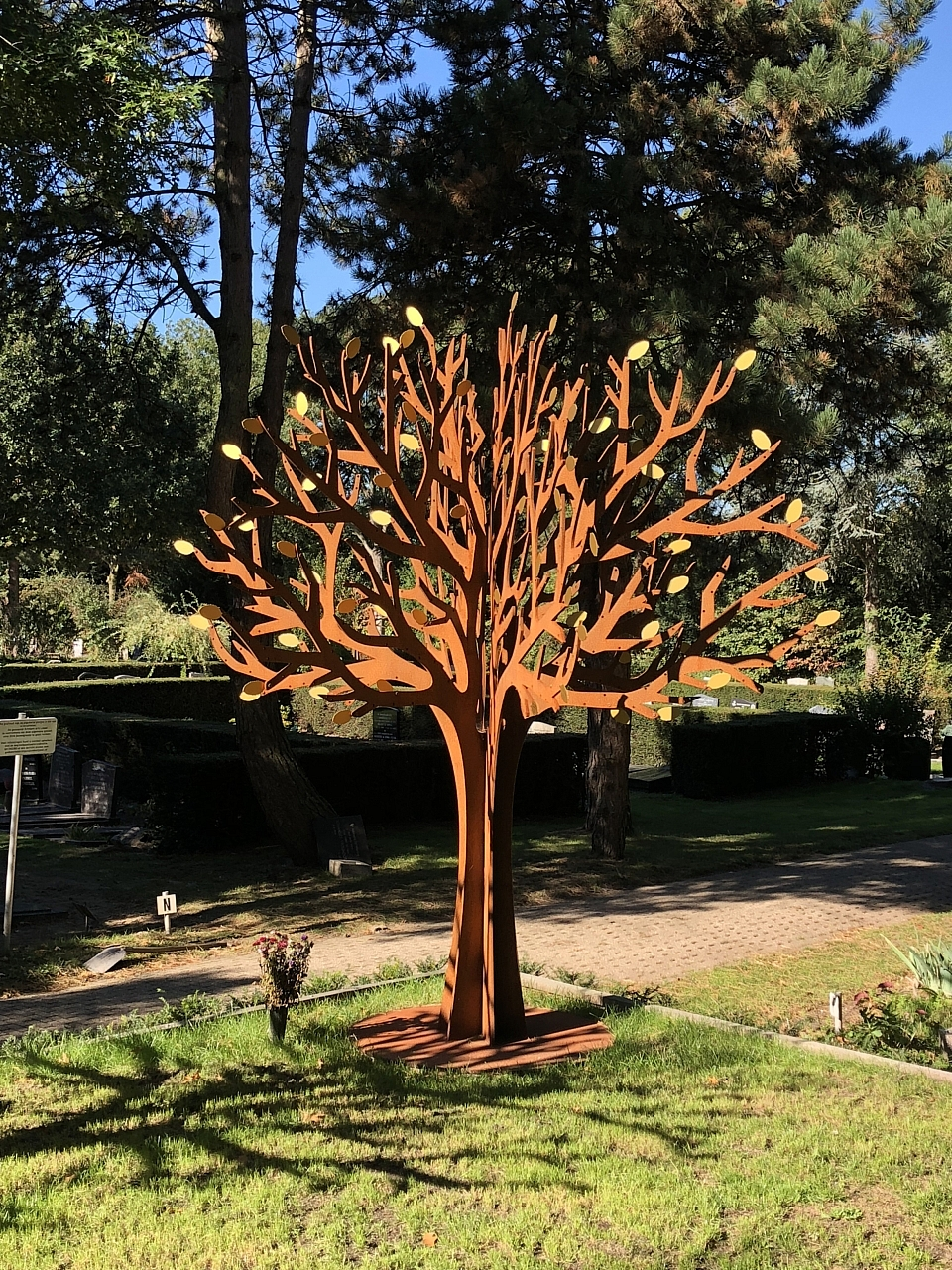 gedenkmonument-verzamelgraf-Waalhoven